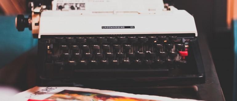Máquina de escribir, teletipo, nota de prensa