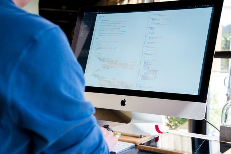 Cómo dar de alta a un nuevo administrador o editor en Facebook